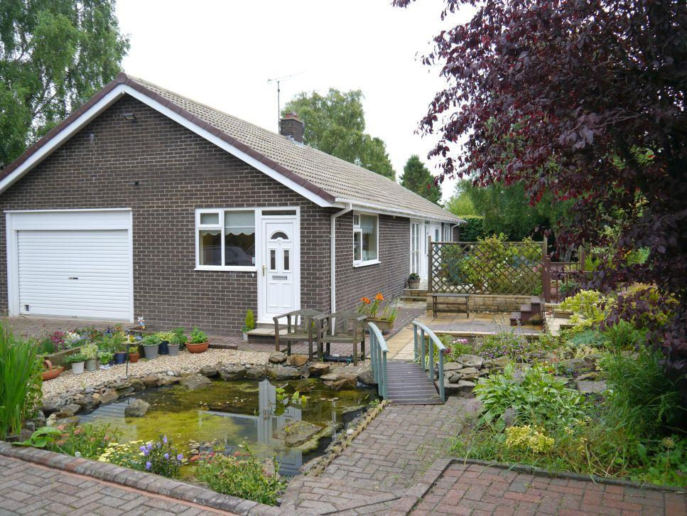 3 Bedrooms Detached Bungalow for sale in Parklands, Darras Hall